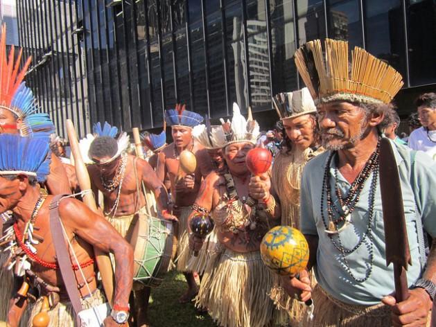 Indigenas y desarrollo sustentable