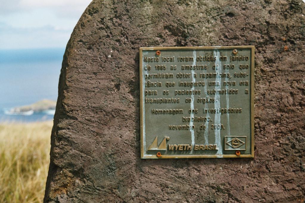 Rapamycin_plaque_on_Easter_Island